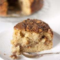 Pear and Earl Grey Crumble Cake