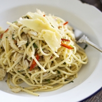 Simple Dinners 04 / Crab & Chilli Spaghetti