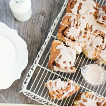 Chai Spiced Rolls with Cinnamon Glaze
