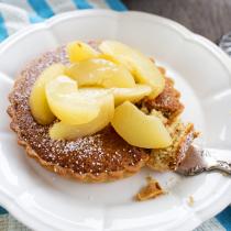 Hazelnut Frangipane Tart with Semillon Vanilla Peaches