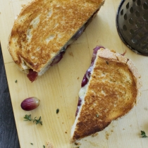 Simple Dinners 02 / Roasted Grape & Prosciutto Toastie