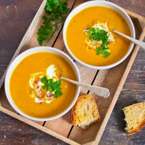 Simple Dinners 13 / Pumpkin Turmeric Soup