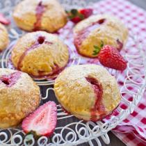 Strawberry Balsamic Hand Pies