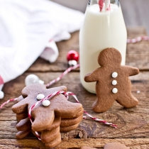 Chocolate Spice Gingerbread + 10 Homemade Christmas Gift Ideas